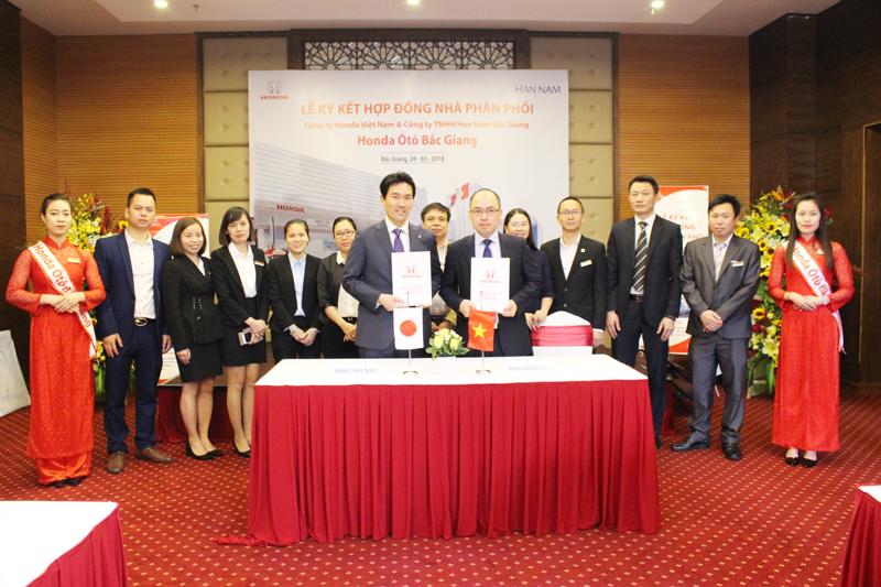 Lễ ký kết hợp đồng nhà phân phối Honda Ôtô Bắc Giang